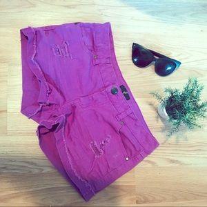Pants - 💥4/$20💥 G21 Fuchsia Distressed Jean Shorts